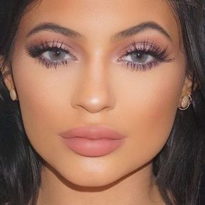 Other - Kylie Jenner Top Lash Lashes 5 Pairs!!